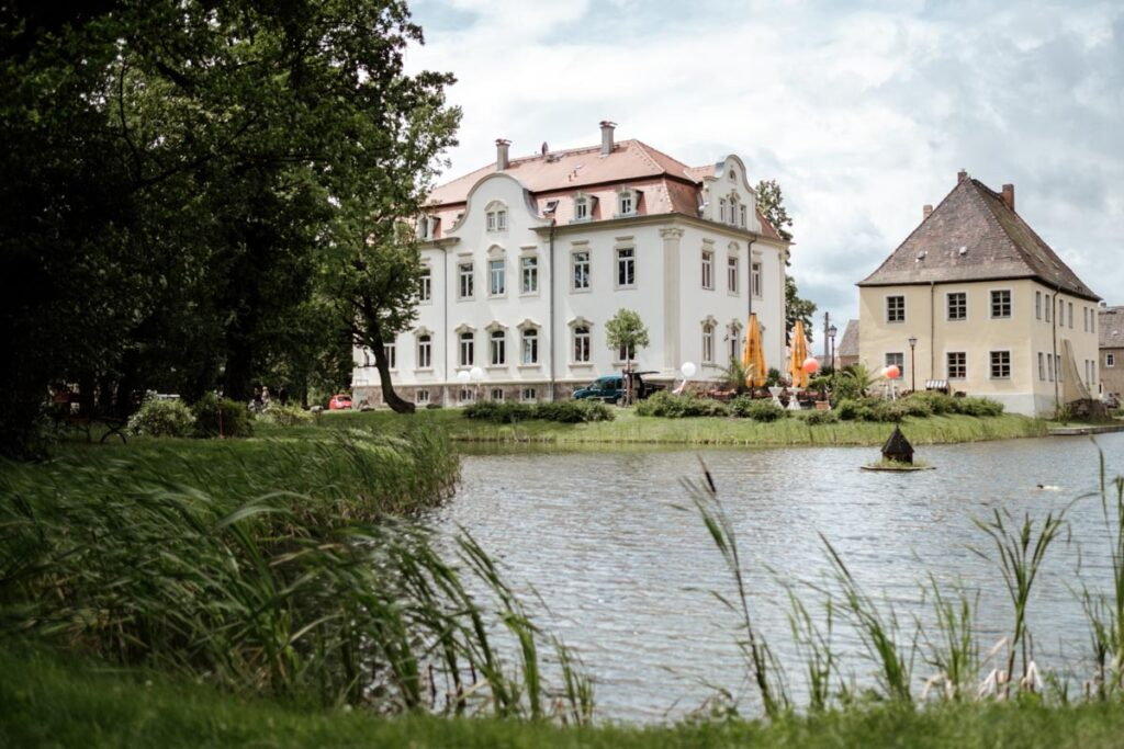 Heiraten am Hainer See und Schillerhaus