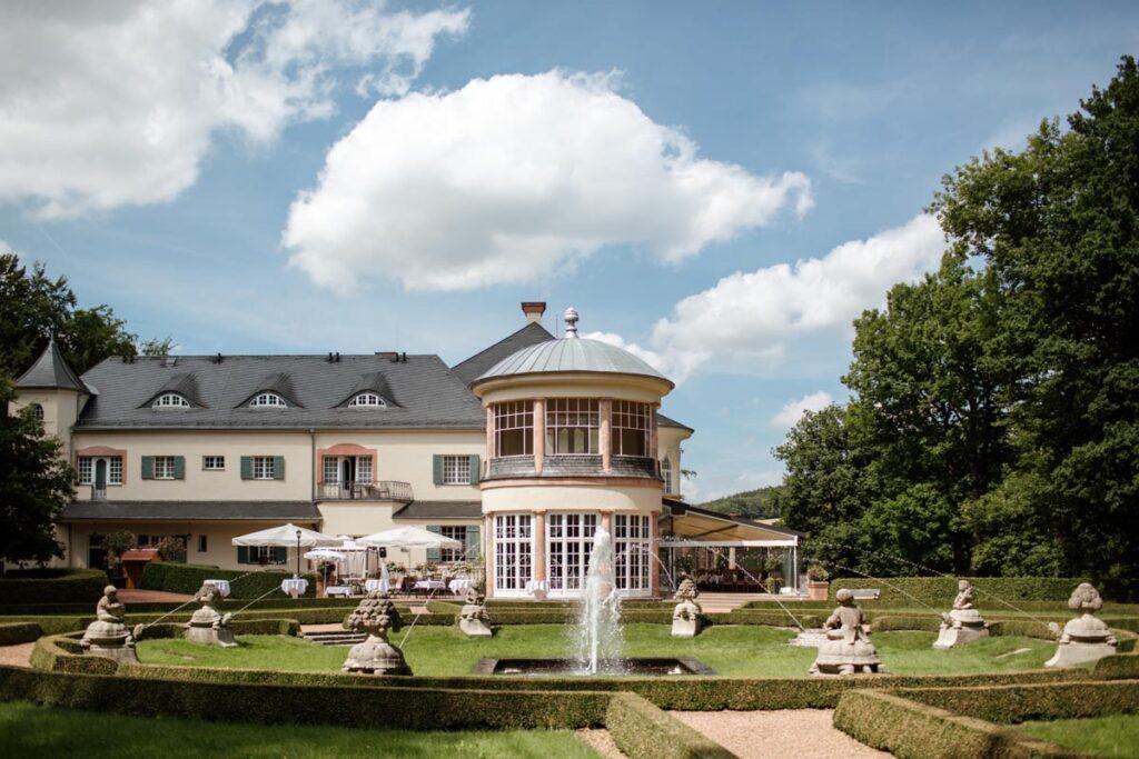 Hochzeit und Heiraten auf Schloss Wolfsbrunn in Hartenstein